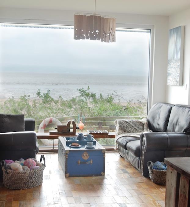Artist Studio Overlooks Guest Cabin With Rooftop Garden: Garden Offices Gallery