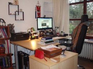 Living room home offices - Carole Hallett Mobbs, expatchild.com