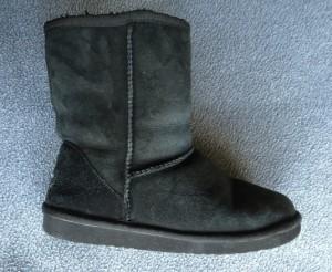 Whooga sheepskin boots