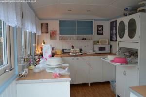 Garden offices - Kathryn Matthews, Kathryn's Homemade Cakes