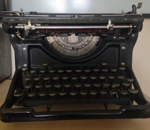 Spare room home offices - Sheena Russell - vintage typewriter