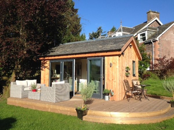 Garden office spotlight the latest outdoor buildings for Outside garden rooms